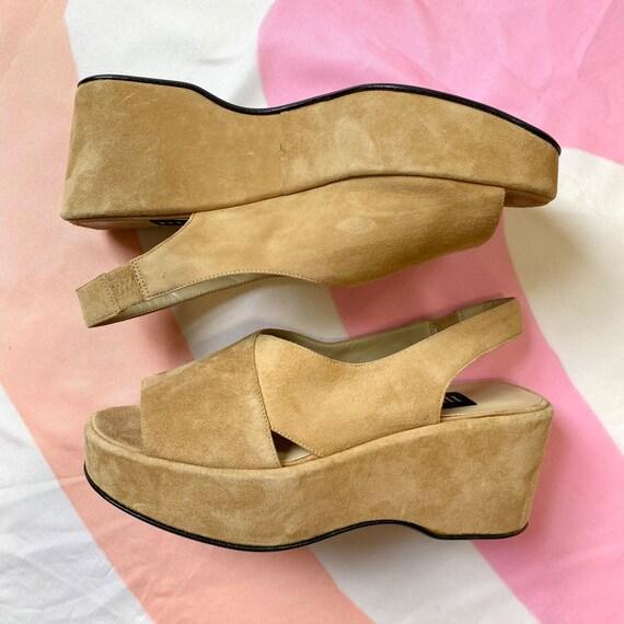 Vintage 90s Tan Suede Platform Sandals - image 3