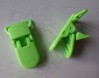 x 1 green crocodile/pacifier clip Clip plastic 42 x 15 mm