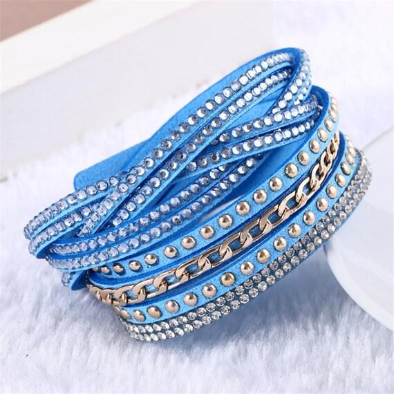 x 1 bracelet en cuir bleu multicouche rivet/strass/chaîne métal doré 40 cm