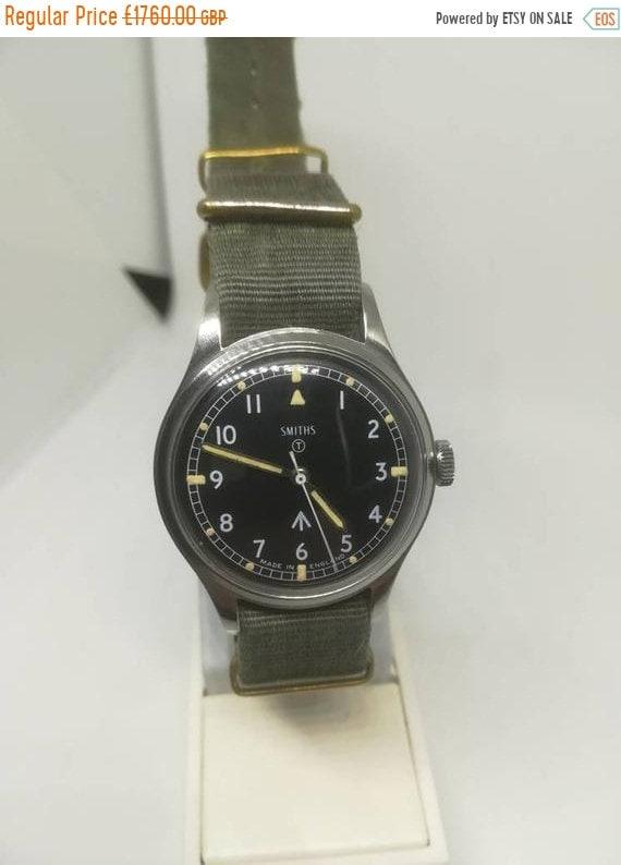Vintage military Smiths W10 wristwatch - image 1