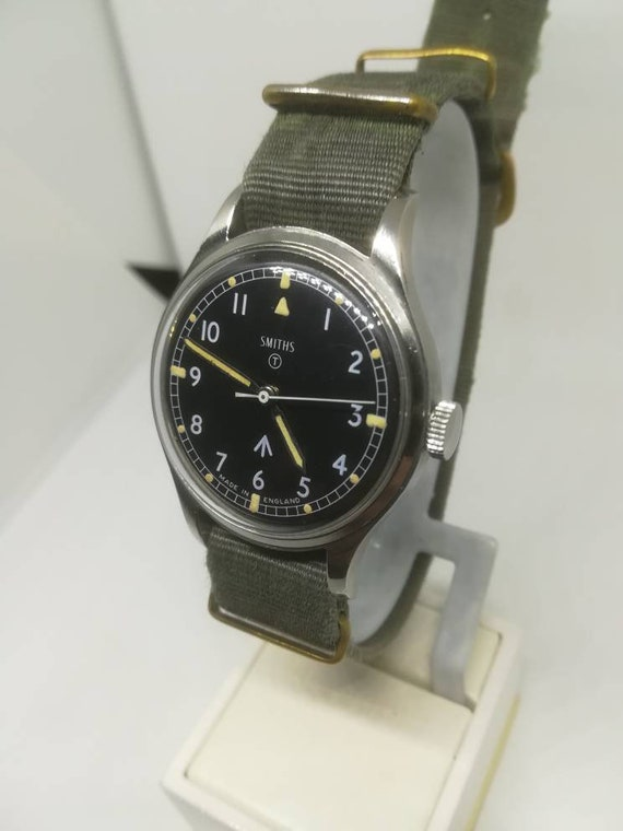 Vintage military Smiths W10 wristwatch - image 8