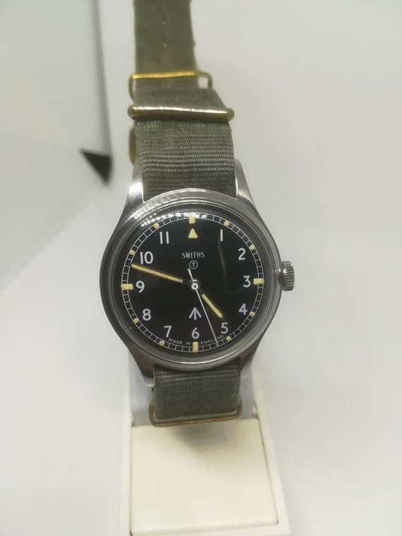 Vintage military Smiths W10 wristwatch