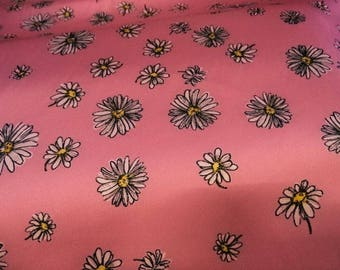 Printed with a daisy pattern, stretch satin fabric, lycra