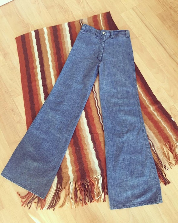 CLASSIC 1970s Bell Bottoms