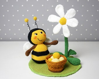 Crochet instructions bees with flower and bucket - PDF file