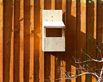 Bird Nest Box - open fronted suitable for a Robin