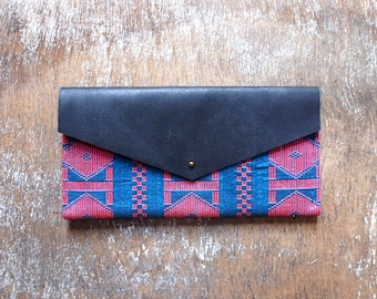 Clutch leather & cotton woven pink and blue