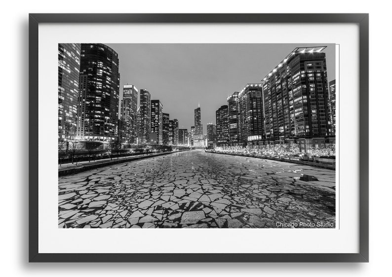 657b036b86 Chicago River Photography Skyline photo Black and White | Etsy