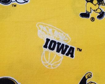 Comfy Contoured Neck Pillow - Iowa Hawkeyes