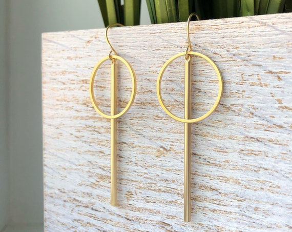 Gold circle bar earrings - small