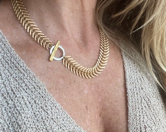 Matte gold fishbone necklace / fishbone toggle clasp necklace / fishbone chain / mixed metal / classic necklace