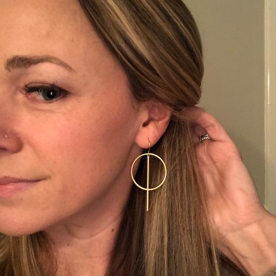 Gold circle bar earrings- medium