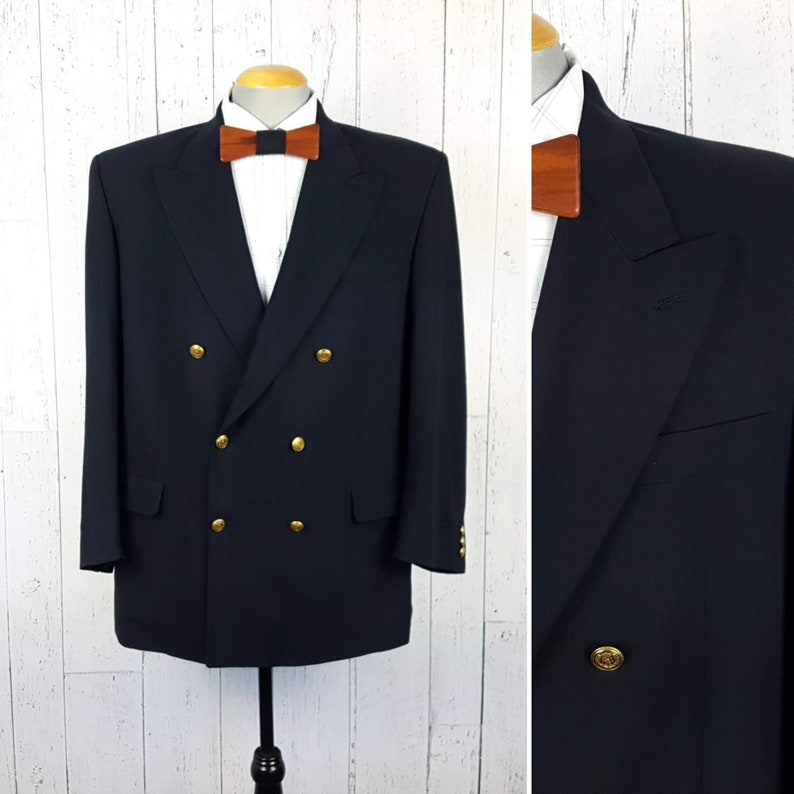 e6e4586b7 Vintage Double Breasted Navy Blazer w/ Gold Crested Buttons Men's 46R Sport  Coat 46 Regular Jacket Wool Retro Ivy League Professor Menswear