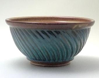Ceramic Serving Bowl, Fruit Bowl Ceramic, Handmade Ceramic Bowl, Wheel Thrown Bowl, Ceramic Bowl, Pottery Bowl, Ceramic Gift, Handmade Bowl