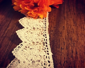 Fall + Flowers + Lace = Swoon
