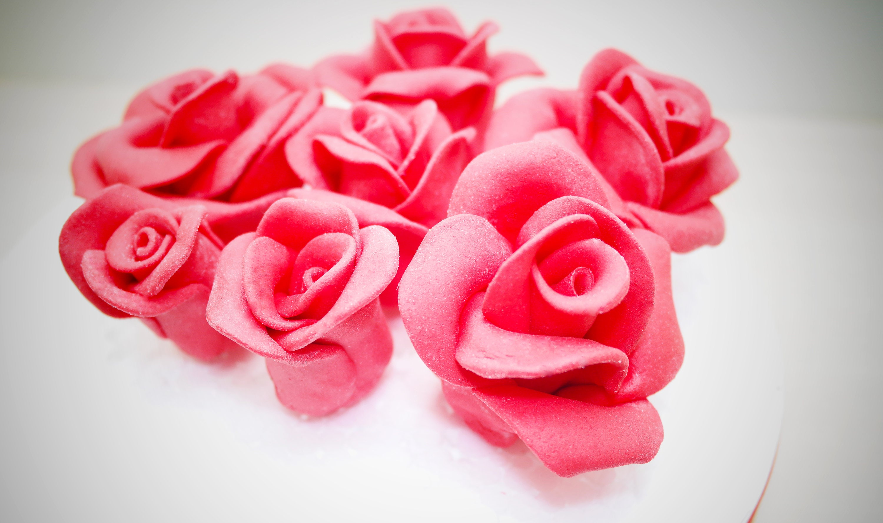 Rose cake topper 8pcs sugar rose wedding cake topper etsy zoom izmirmasajfo