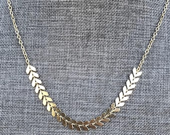 Gold Chevron Necklace Gold Fishbone Necklace Dainty 14k Gold Arrow Necklace Boho Fish Bone Chain Minimalist Layering Feather Necklace Chain