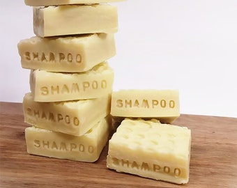 Blødt & Blankt - Shampoobar for dry hair and sensitive scalp made with dandelion infused  olive oil, myrrh, acacia honey and citrus oils.