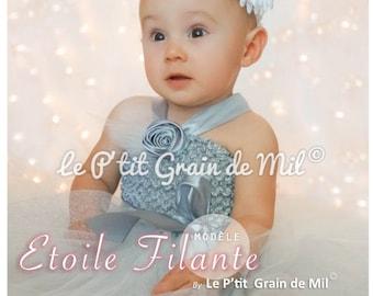 2c08897d22f0b Robe tutu courte pour bébé petite fille en tulle gris   blanc paillettes  argentées et fleurs