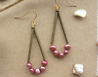 Pearl Earrings with Pink Freshwater Pearls in Geometric Triangle Drop