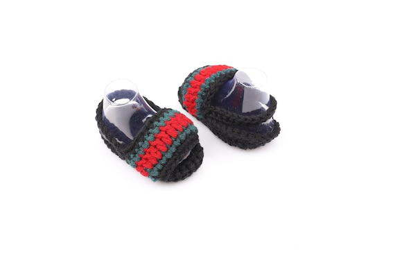 a484f1148d8 Crochet baby shoes Crochet baby booties Toddler sneakers
