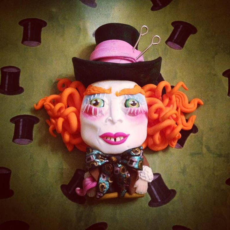 Mini sculpture of the Mad Hatter image 0