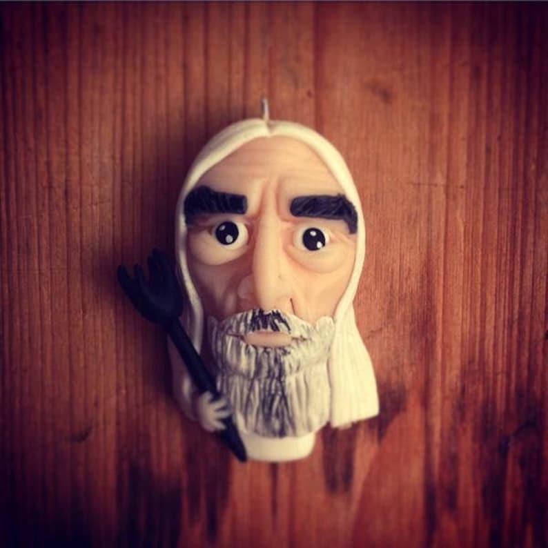 Saruman  figurine keychain image 0