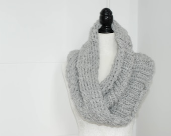 Soft and Cozy Mobius Cowl Scarf