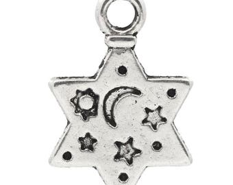 Star charm pendant engraved Moon and stars n ° 5