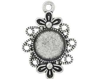 Support Cabochon round decorated with lace and flower pendant