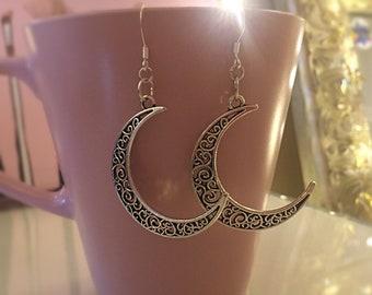 Feminine Moon goddess earrings