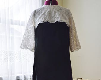 Everything in Black and White Dress ~ Vintage 60's Black velvet and white lace mod shift dress