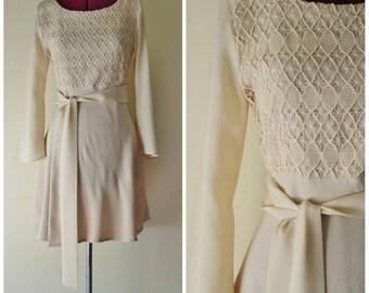 1960s 70s vintage soft pink short dress S M