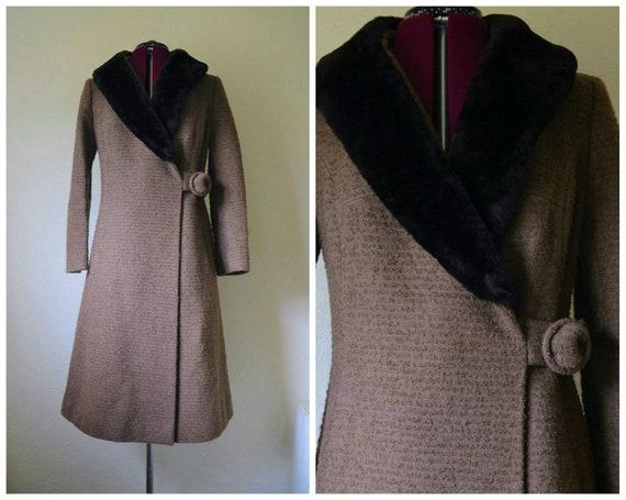Vintage 1960's 70s brown wool faux fur collar tren