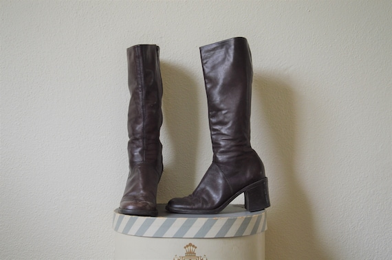 Vintage 90s 00's leather boots // brown chunky hee