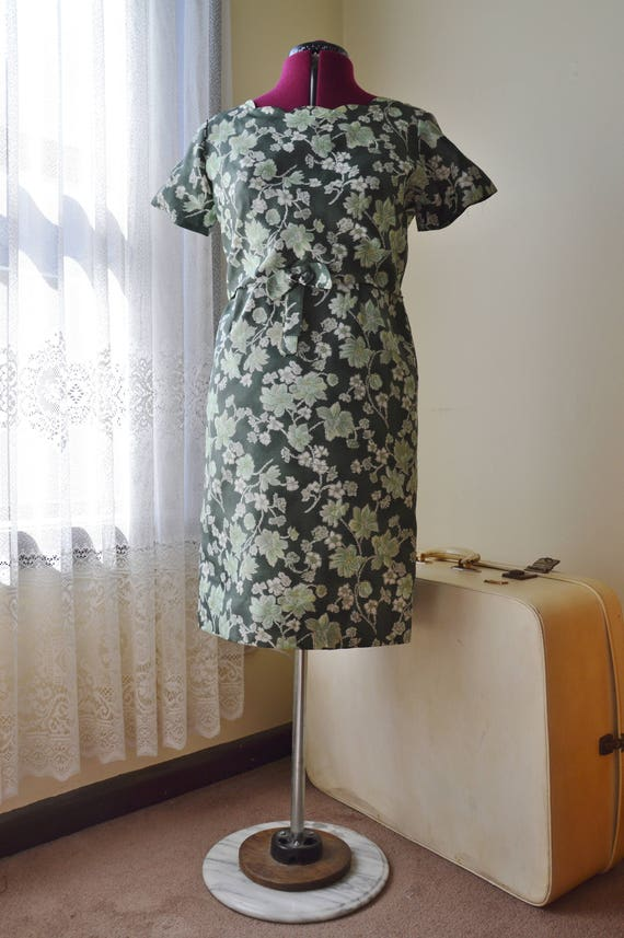 Leafy Green Dress ~ Vintage 1960's Green floral dr