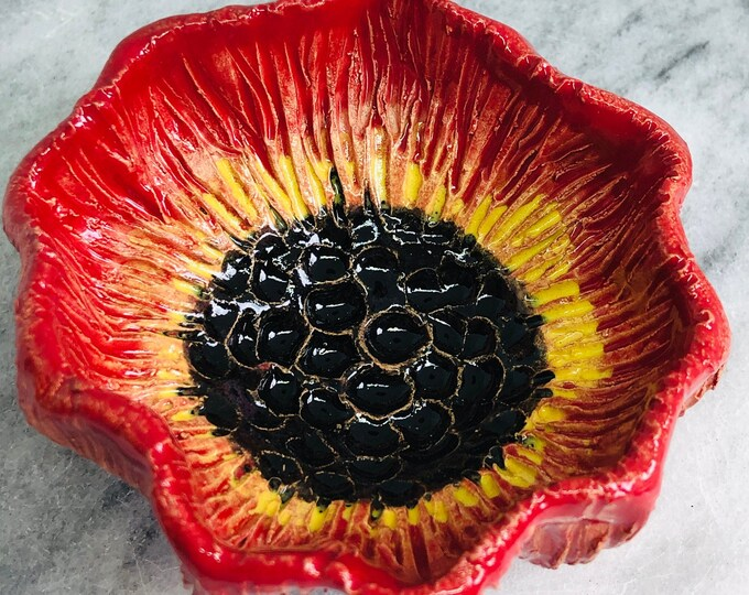 Poppy Flower Ring Dish, Handmade Pottery Flower Bowl, Ceramic Flowers Ornament, Floral Decoration, Home Decoration, Ornament.