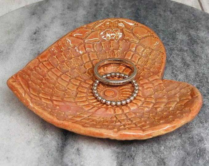 Pretty Love Heart Ring Dish, Handmade Pottery Jewellery Bowl, Ceramic Ornament, Clay Decoration, Home Decoration, Home Interiors, Ornaments.