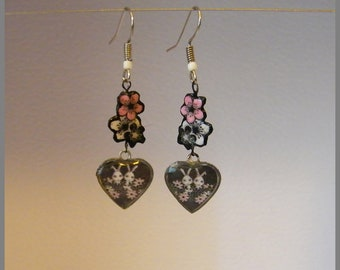 """Rabbits dans les Fleurs"" - resin Cabochon and Silver earrings"