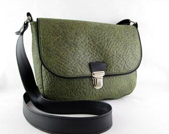 d0ae31552c besace en simili cuir gaufré vert, sac bandoulière femme, sac à main  femme,petite besace originale
