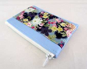 Wallet in faux leather fabric and blue floral Japanese
