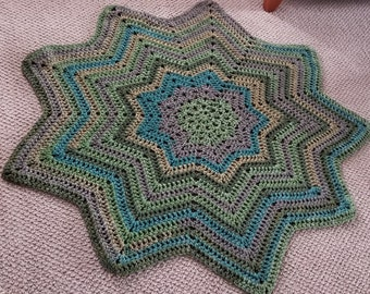 Green Tea 9 Point Star Throw Blanket
