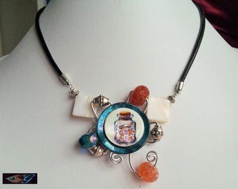 Turquoise and ivory flower shaped button necklace