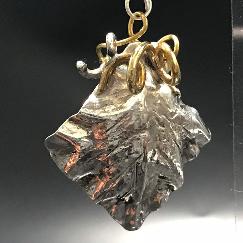 Foglie di Vigna Silver pendant and Laiton with hematite stones