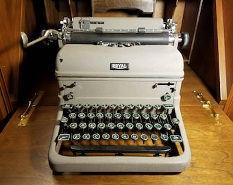 "1940  Vintage Royal Typewriter, ""KMM"" Series, ""Magic Margin"" Model."