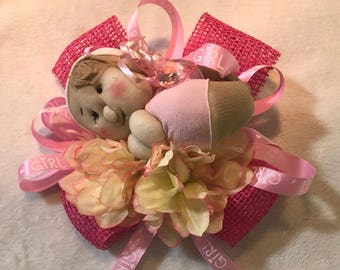 Sleepy baby corsage