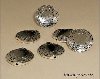 "6 ""Ribbed"" 16.5 mm antique silver metal flat round beads"