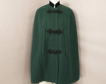 L size. Vintage Alpine style grey cape coat with green collar