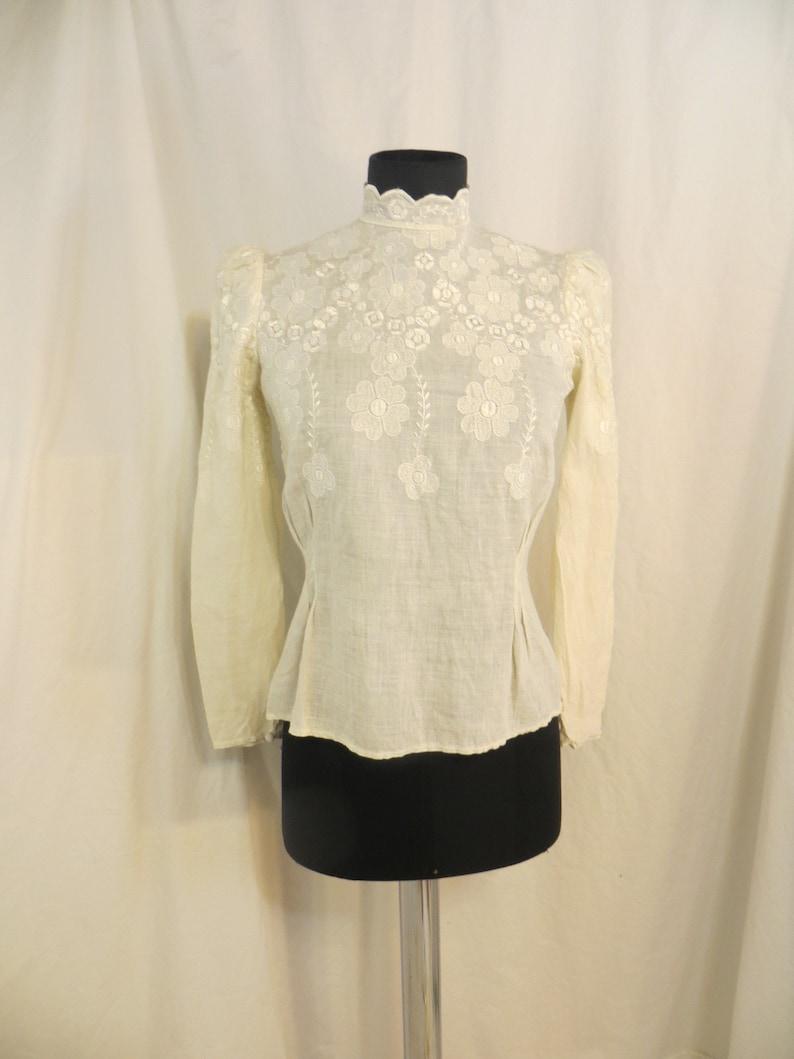 Ivory Vintage Feminine Linen /& Lace Authentic 70/'s Cream Blouse Shirt Sm 8 Long Sleeve Gorgeous