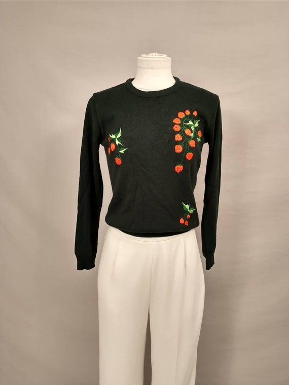 Strawberries 1970's Vintage Sweater Embroidered Ra